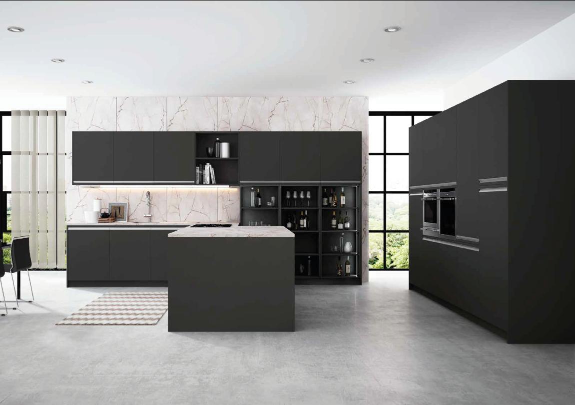 Cozinha moderna preta e mármore branca