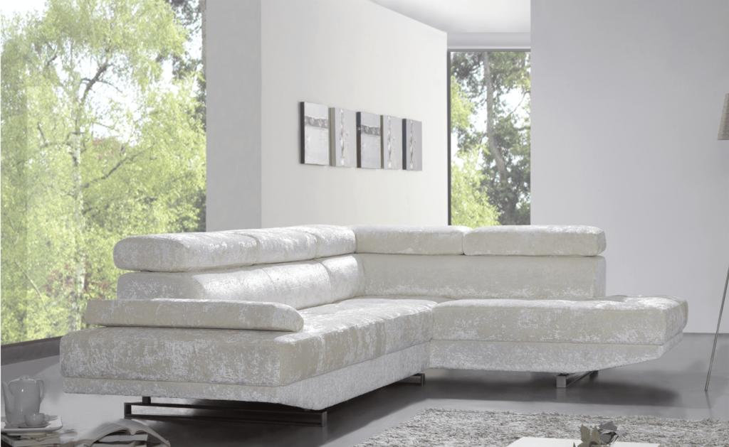 Sofá branco moderno e decorativo