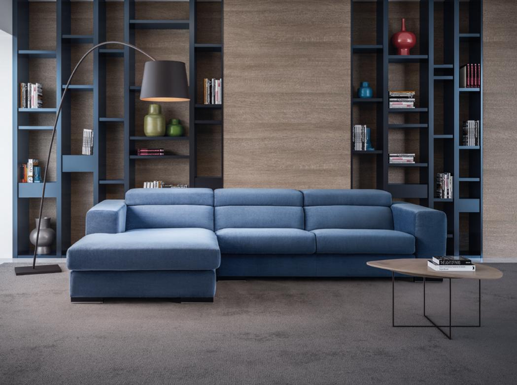 Sofá azul com encostos